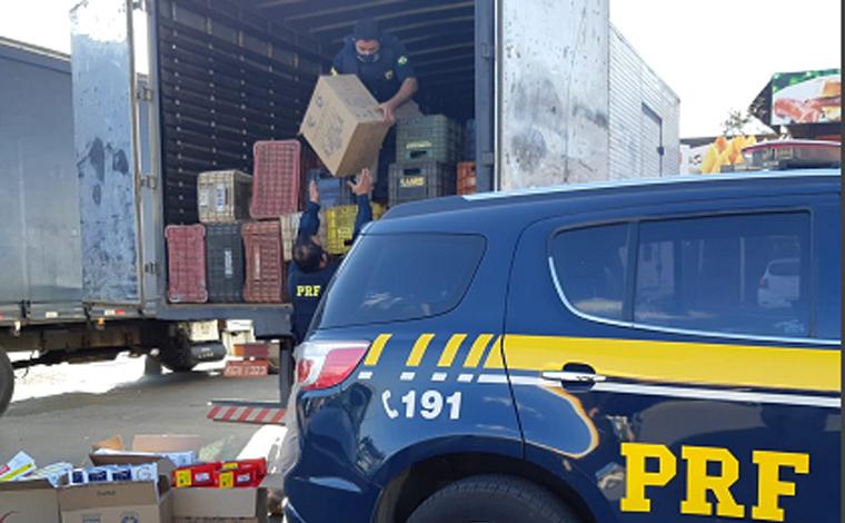 Polícia Rodoviária apreende 250 mil maços de cigarros contrabandeados em caminhão na BR 040