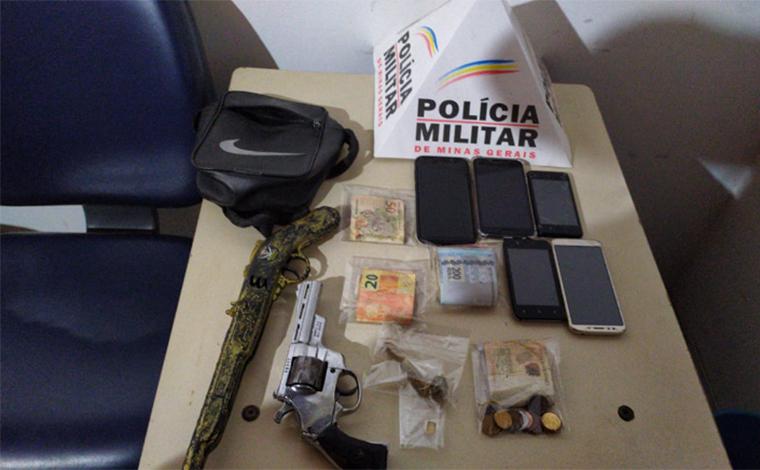 Polícia Militar prende autores de tráfico de drogas e porte ilegal de arma de fogo em Pedro Leopoldo