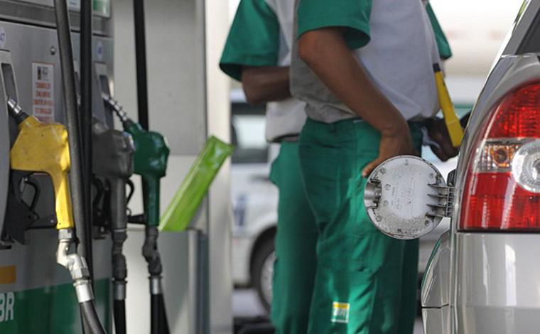 Petrobras anuncia redução de 4% no preço da gasolina e em 7% o óleo diesel