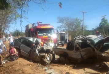 Homem morre e outras sete pessoas ficam feridas em acidente na estrada que liga Baldim a Jequitibá