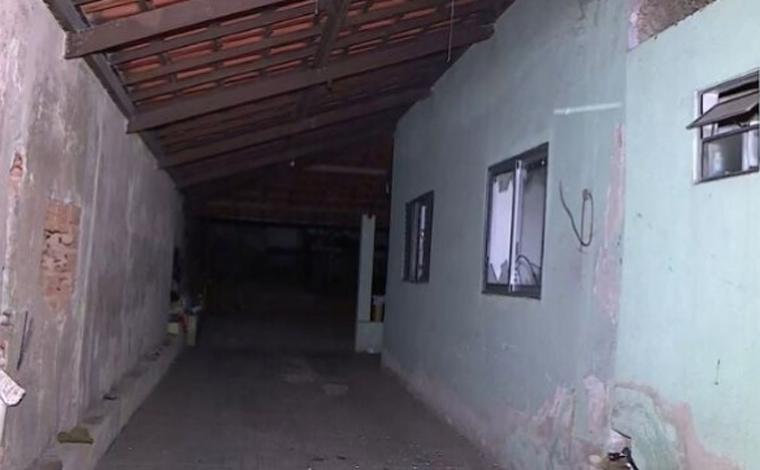 Corpo de professora é encontrado carbonizado dentro de sua casa em Ribeirão das Neves