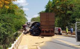 Grave acidente na BR-040 deixa vítimas e trânsito interditado em Felixlândia