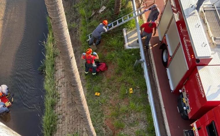 Cadeirante morre ao ser arremessado de viaduto durante assalto no interior paulista