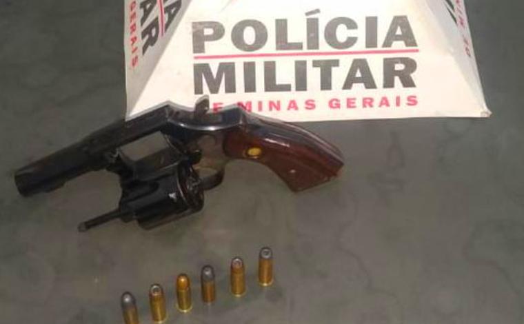 Homem ameaça pessoas e é preso por porte ilegal de arma no bairro Nova Cidade em Sete Lagoas
