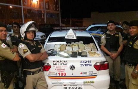 Polícia intercepta entrega de 15 kg de crack em Sete Lagoas