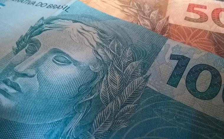 Governo aumenta projeção e salário mínimo pode chegar a R$ 1.087 em 2021