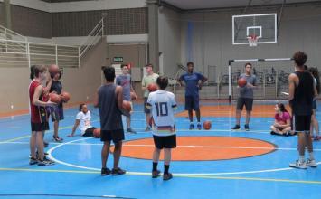 Ginásio Dr. Márcio Paulino em Sete Lagoas recebe escolinhas gratuitas do PLESC