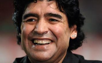Diego Maradona morre aos 60 anos após sofrer uma parada cardiorrespiratória