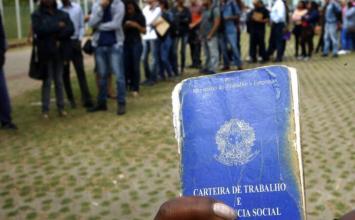 Covid-19: Taxa de desemprego no Brasil sobe a 14,6% e bate recorde