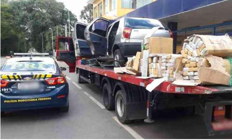 Idoso é preso com 200 kg de maconha em carro guinchado no interior de Minas Gerais