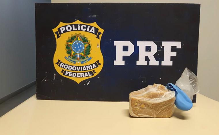 Polícia Rodoviária prende suspeitos de tráfico de drogas na BR-040 em Capim Branco