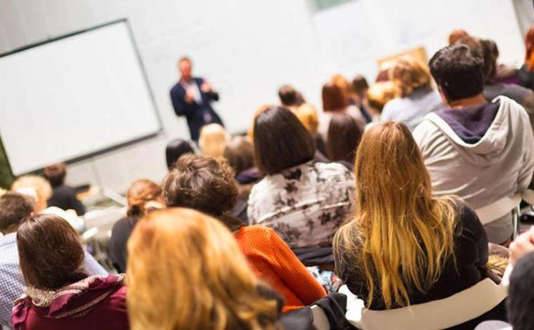 MEC determina retorno às aulas presenciais nas universidades federais a partir de janeiro