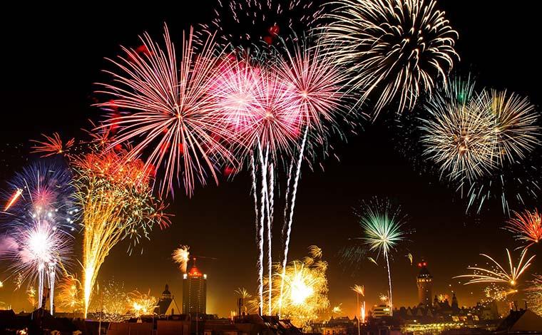 Com aumento de casos entre jovens, festas do fim de ano podem provocar explosão de Covid-19