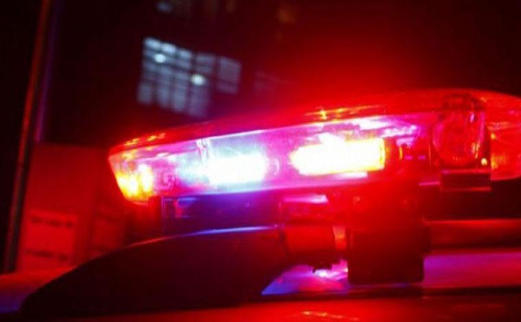 Homem rouba carro, foge da PM, bate o veículo e acaba preso em BH