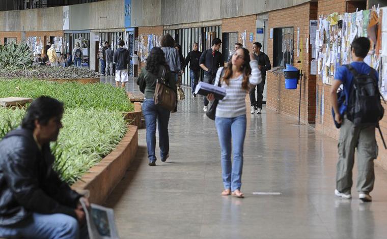 MEC adia para março volta das aulas presenciais nas universidades
