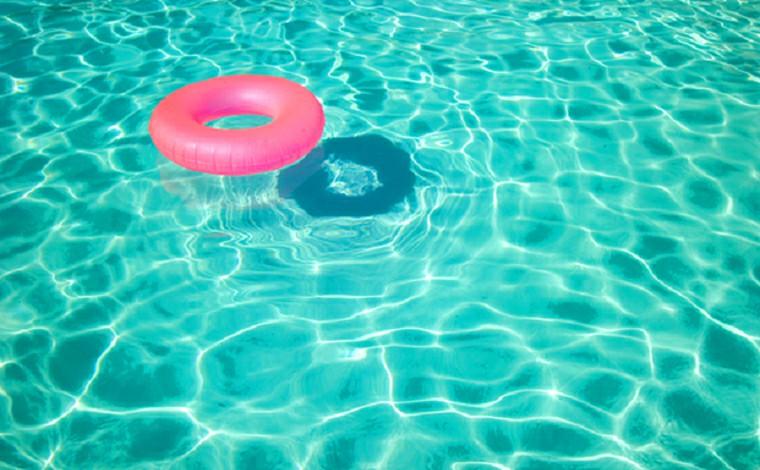 Criança de 3 anos morre afogada em piscina de sítio durante festa em Contagem