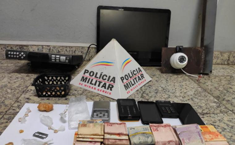 Três pessoas são presas por tráfico de drogas no bairro São João em Sete Lagoas