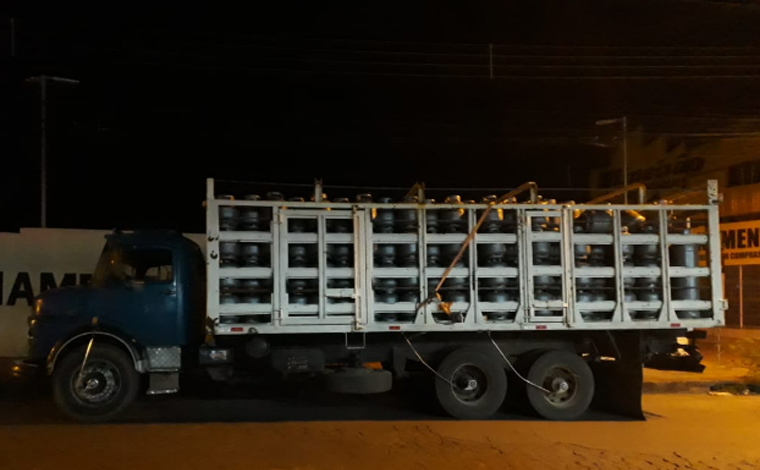 Grupo simula roubo de carga em estrada que liga Sete Lagoas a Inhaúma para aplicar golpe do seguro