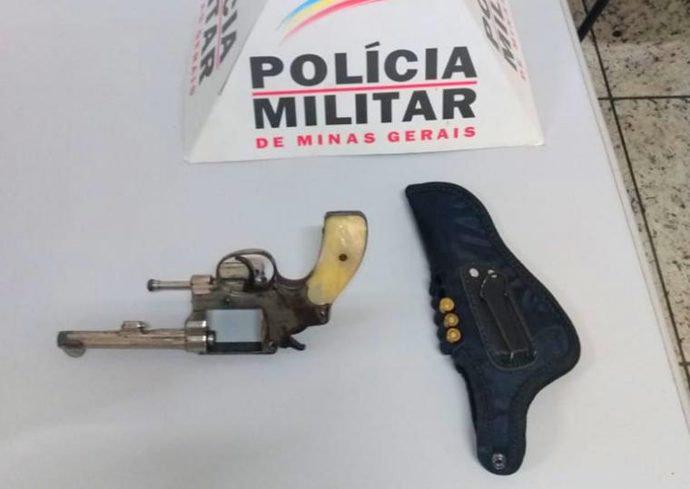 Homem é preso por porte ilegal de arma de fogo após efetuar disparos em Pedro Leopoldo