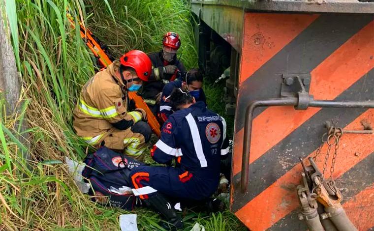 Homem tem perna amputada após ser atropelado por trem em Belo Horizonte