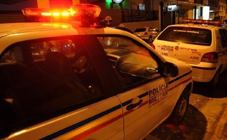 Após perseguição, dois homens são presos por tráfico de drogas no bairro Boa Vista