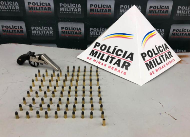 Homem é preso por ameaçar esposa e filha e porte ilegal de arma de fogo no bairro Bernardo Valadares