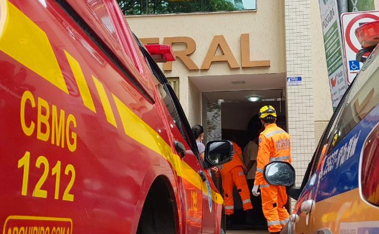 Homem morre esmagado por elevador enquanto realizava manutenção do equipamento em Viçosa