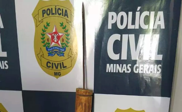 Policial Civil é agredido com vergalhão ao entregar intimação para idoso em Espinosa