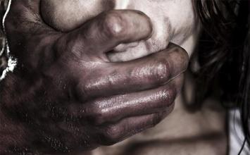 Jovem sofre parada cardiorrespiratória após ser vítima de estupro em Mateus Leme; suspeito é preso