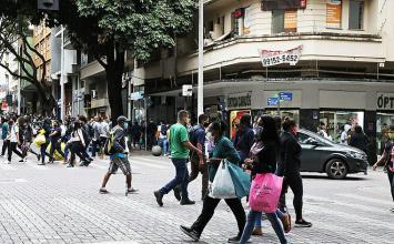 Liminar que autorizava reabertura de serviços não essenciais em Belo Horizonte é cassada