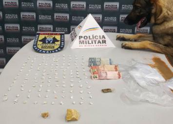 Mulher é presa e menor apreendida por tráfico de drogas no bairro Orozimbo Macedo em Sete Lagoas