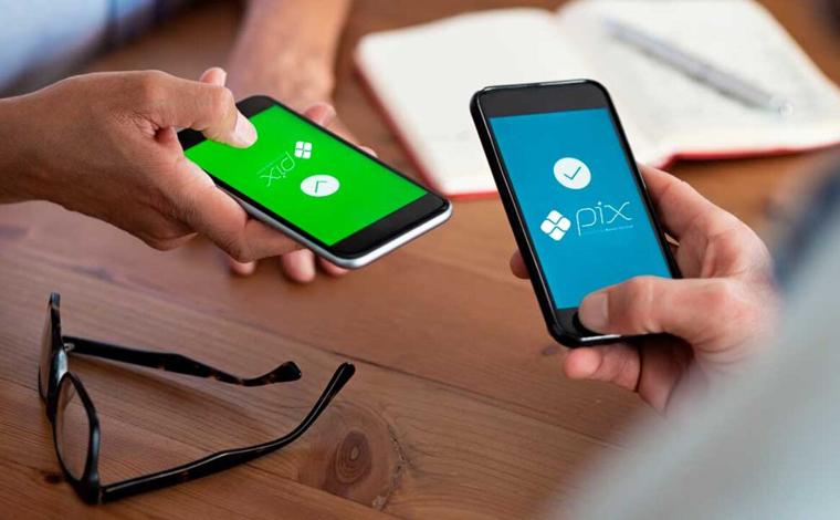 Pix vira 'aplicativo de paquera' no Brasil e Banco Central ressalta risco da prática