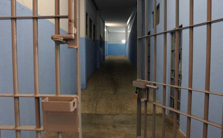 Empresário que espancou namorada e cometeu injúria em Sete Lagoas deixa a prisão