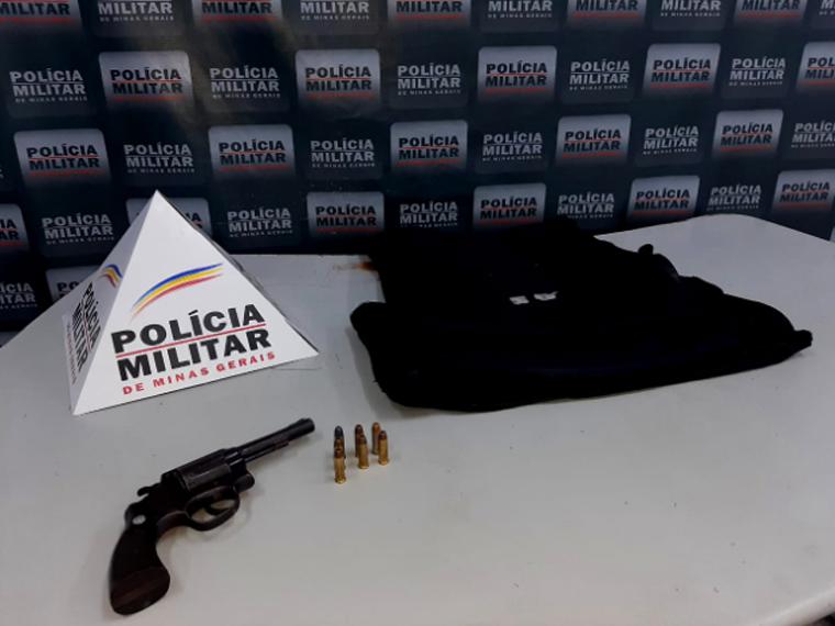 Jovem é preso por porte ilegal de arma de fogo no bairro Orozimbo Macedo em Sete Lagoas