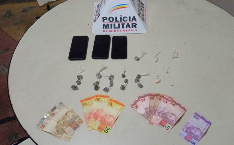 Quatro jovens são presos por tráfico de drogas em Capim Branco