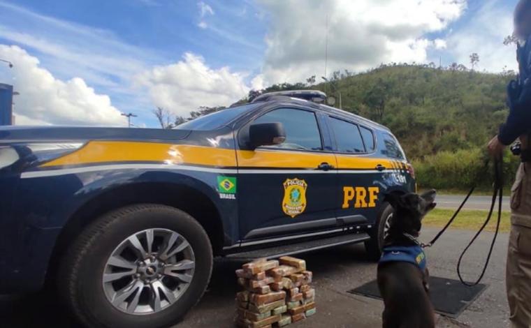 Idoso é preso por transportar 41 tabletes de crack na BR-040, em Sete Lagoas