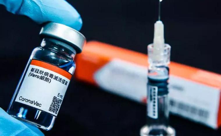 Minas Gerais recebe neste domingo mais 315 mil doses da vacina Coronavac