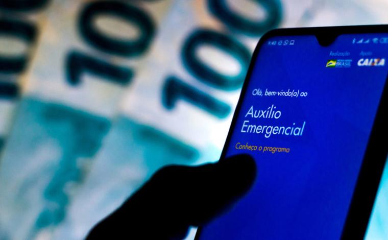 Bolsonaro confirma possível prorrogação do Auxílio Emergencial, mas com endividamento