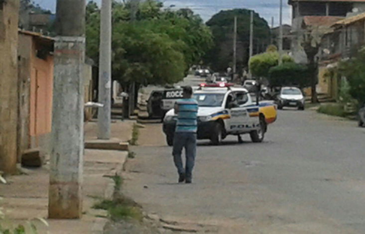 Policial é baleado por menor durante perseguição por ruas de Sete Lagoas