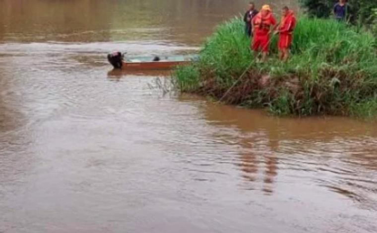 Bombeiros buscam por bebê de um ano que pode ter sido jogada em rio pelo pai no Sul de Minas