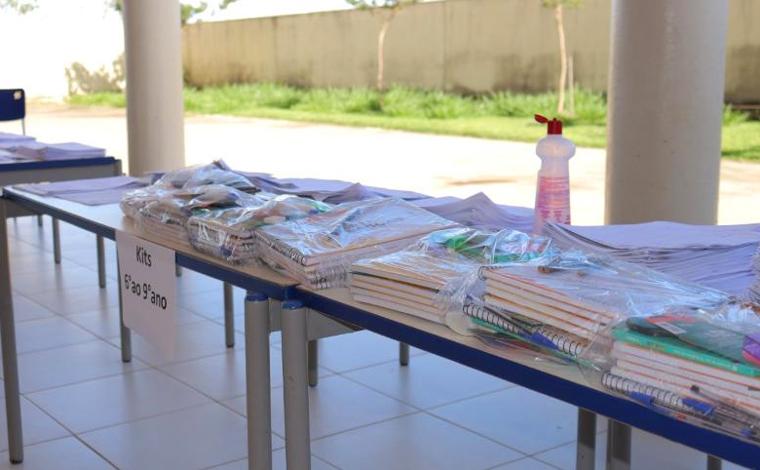 Kits escolares são distribuídos para apoiar alunos em aulas remotas em Sete Lagoas