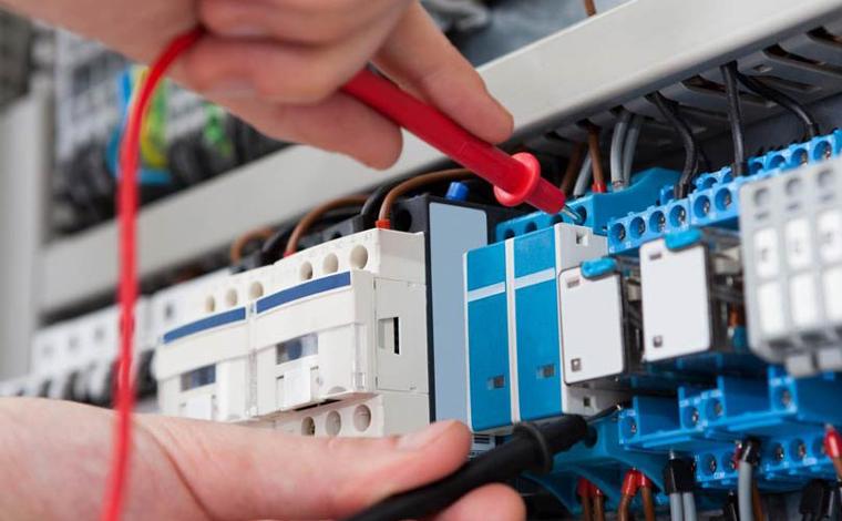 Multitécnica oferece vaga de emprego para Eletricista I