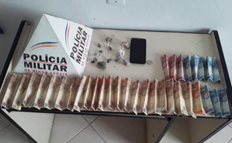 Polícia Militar prende três pessoas por tráfico de drogas em Araçaí
