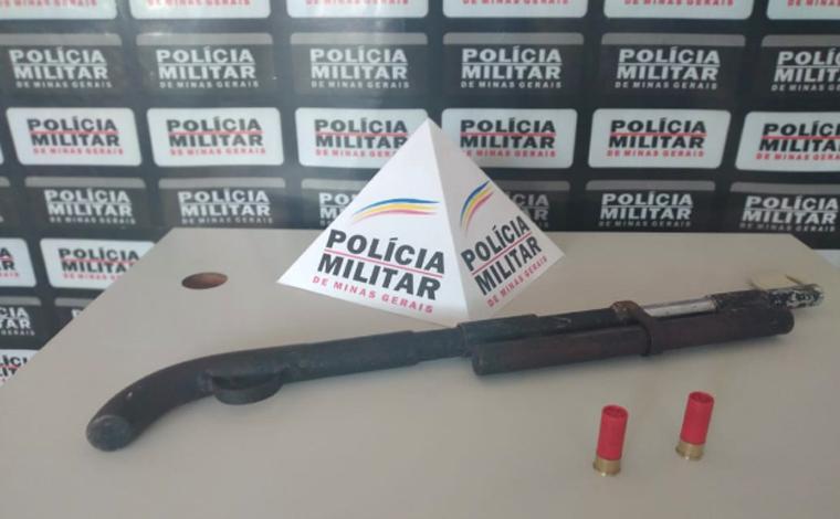 Após ameaçar familiares, homem é preso com espingarda no bairro Itapuã em Sete Lagoas