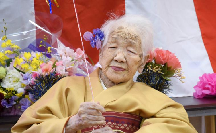 Após 2 pandemias e 2 guerras mundiais, mulher mais velha do mundo vai carregar tocha olímpica