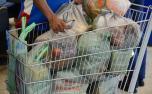 Com Auxílio Emergencial, consumo de alimentos por mais pobres cresce 8% em 2020