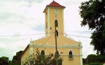 Irmãos morrem eletrocutados quando instalavam antena de celular no Norte de Minas