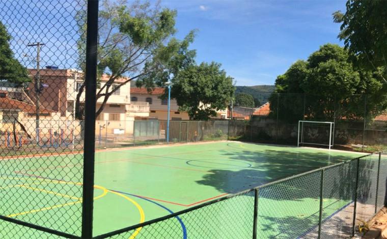Quadra de esporte do bairro Santa Rosa em Sete Lagoas recebe revitalização