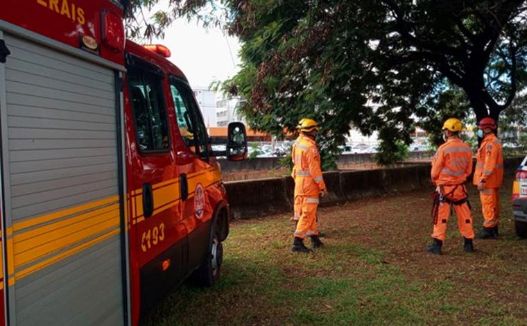 Corpo de homem é encontrado com diversos ferimentos no Rio Arrudas em Belo Horizonte
