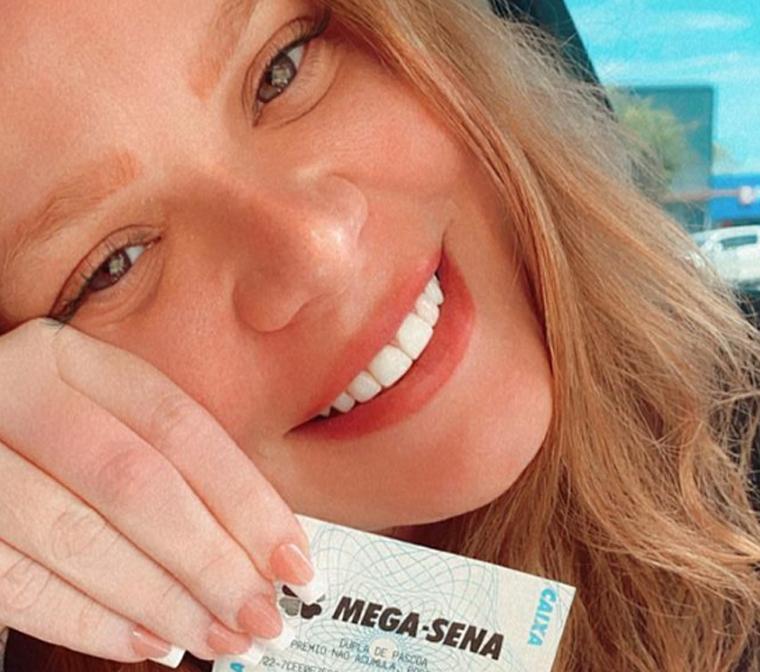 Influenciadora Paula Leite ganha na Mega-Sena pela 47ª vez